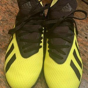 adidas Shoes - Boys adidas soccor cleats